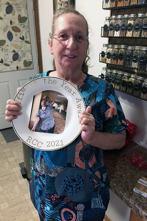 Rensselaer CNA Suzanne Hoaks with her Selfie of the Year Award